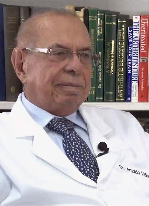 Dr. Arnoldo Veloso
