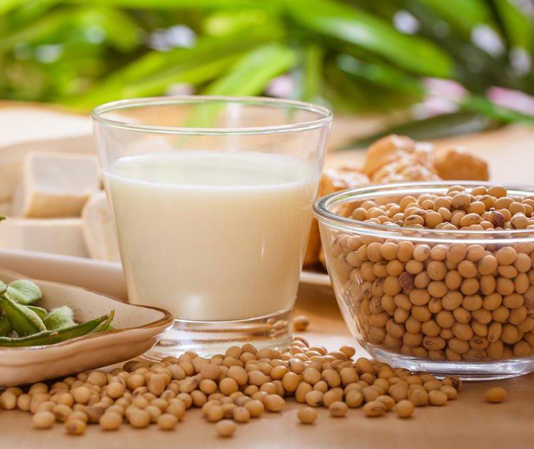 4 alimentos que aumentam o estrogênio